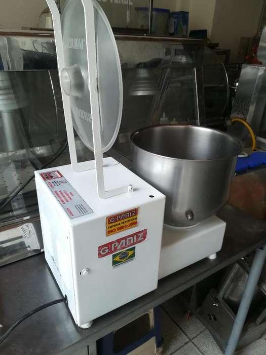 Desmechadora de Carne Y Pollo Capac 10lb