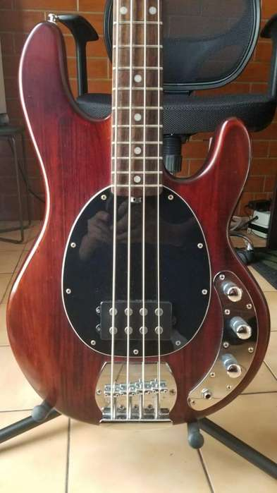 bajo Electrico 4 Cuerdas Sterling Sub 4 Music Man