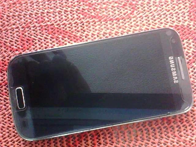 vendo telefono samsang s4 mini GT-I9195 SOLO PARA RESPUESTO..