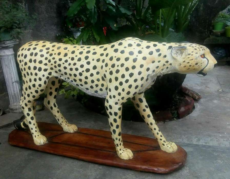 Vendo Escultura de Guepardo