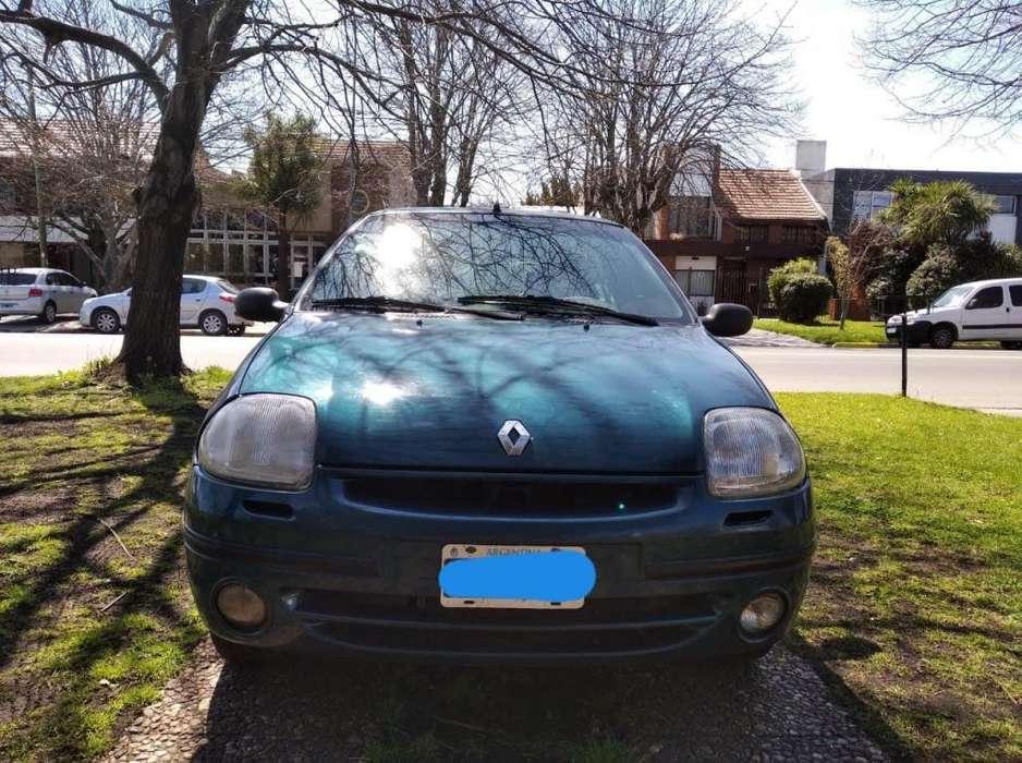 Renault Clio  2001 - 240000 km
