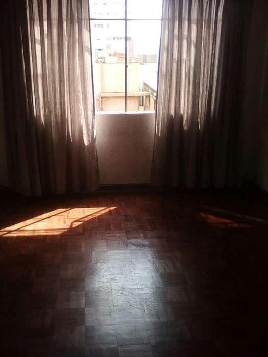 Alquilo Amplia Habitacion en Miraflores