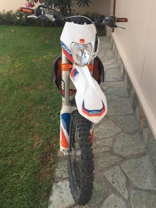 KTM six days 2016 escape y header Akrapovic