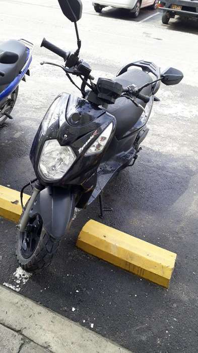 Vendo Moto Akt Dinamyc 125 Modelo 2015