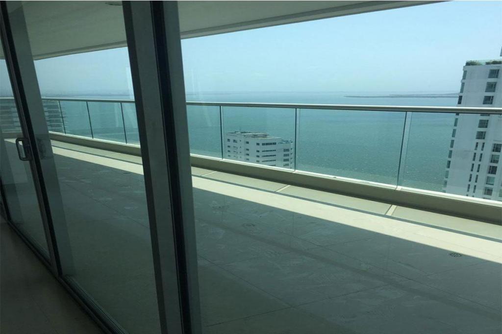 Apartamento En Venta En Cartagena Castillogrande Cod : 10578