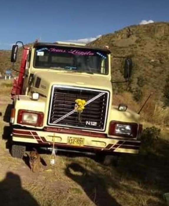 Vendo camion plataforma n12
