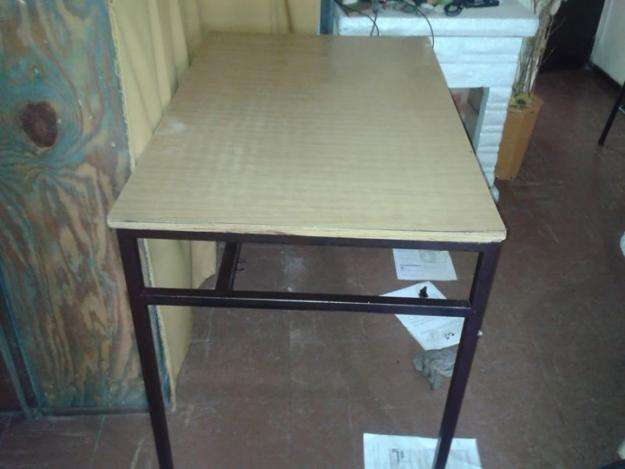 Mesa escritorio con 3 cajones