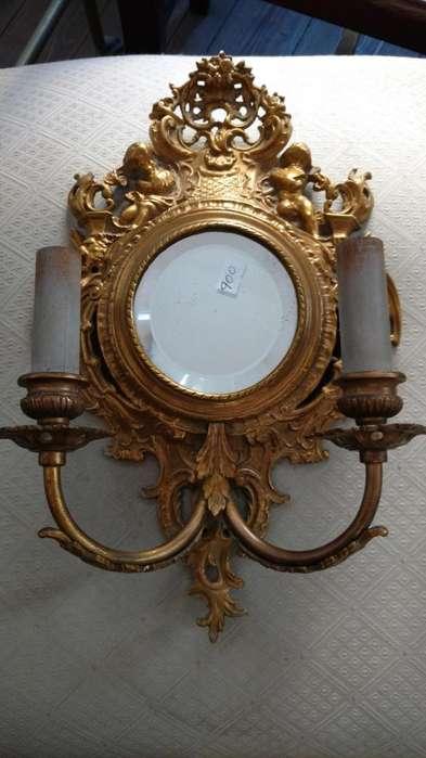 Aplique de bronce de 2 luces con espejo biselado