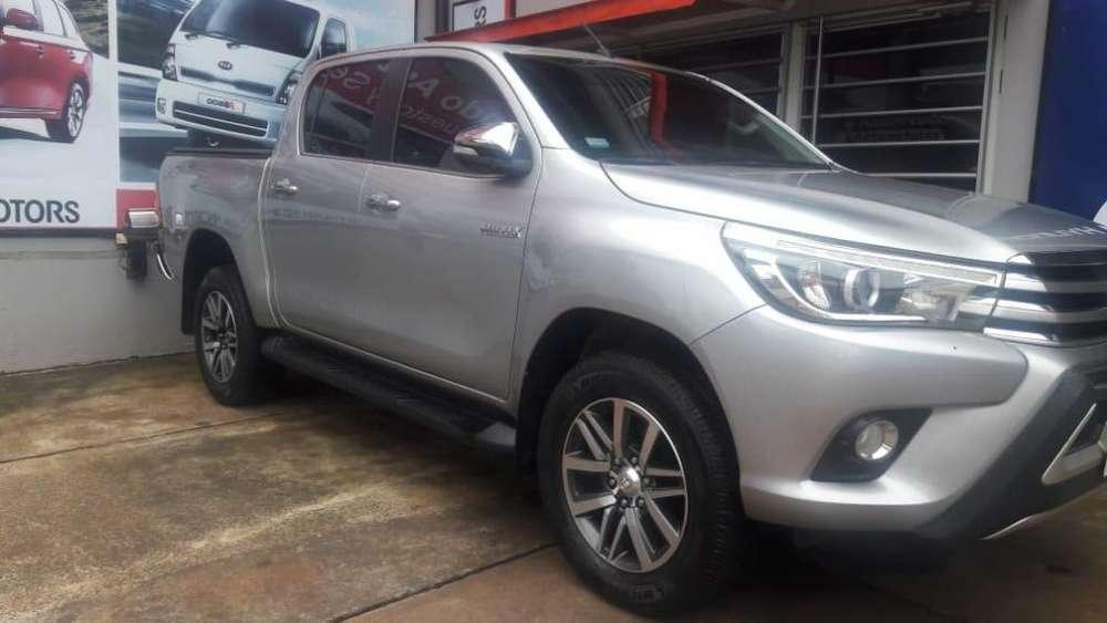 Toyota Hilux 2017 - 50000 km