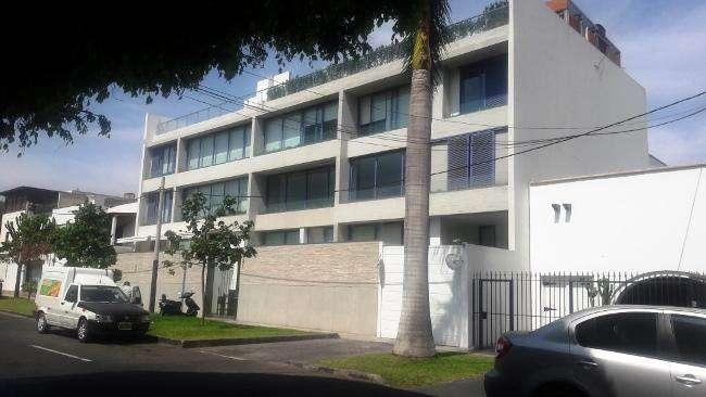 ¡VENDO BELLO DEPARTAMENTO. DE ESTRENO, 200.10 m2, 03 DORM. 03 COCHERAS01 DEPÓSITO!