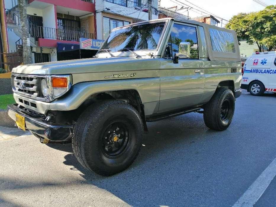 Toyota Land Cruiser 1997 - 250000 km
