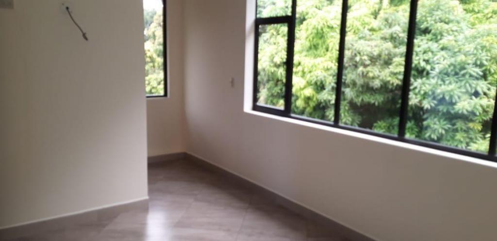 Alquiler, en La Garzas, departamento amplio de 2 dormitorios,