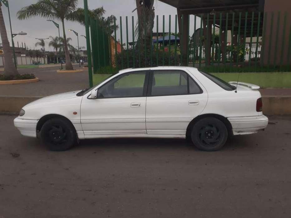 Hyundai Elantra 1994 - 400 km