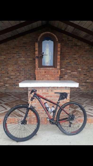Bicicleta Specilialized Hardrock