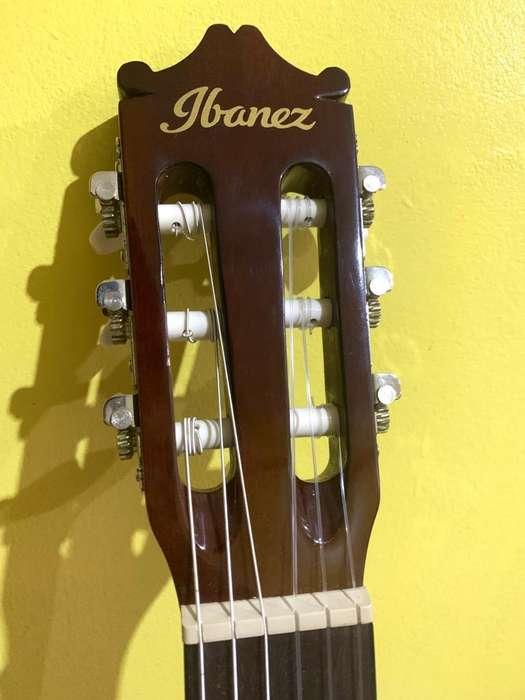 Guitarra con Funda Y Cable Marca Ibañez