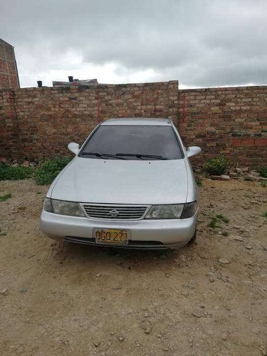 Nissan Sentra 1996 - 235000 km