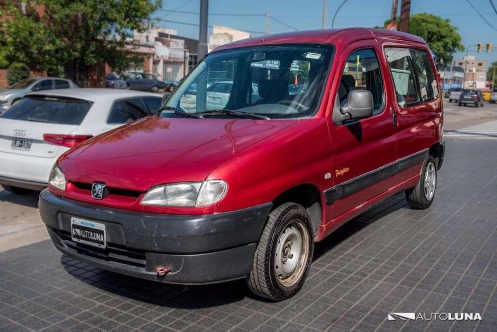 Peugeot Partner 2001 - 220000 km