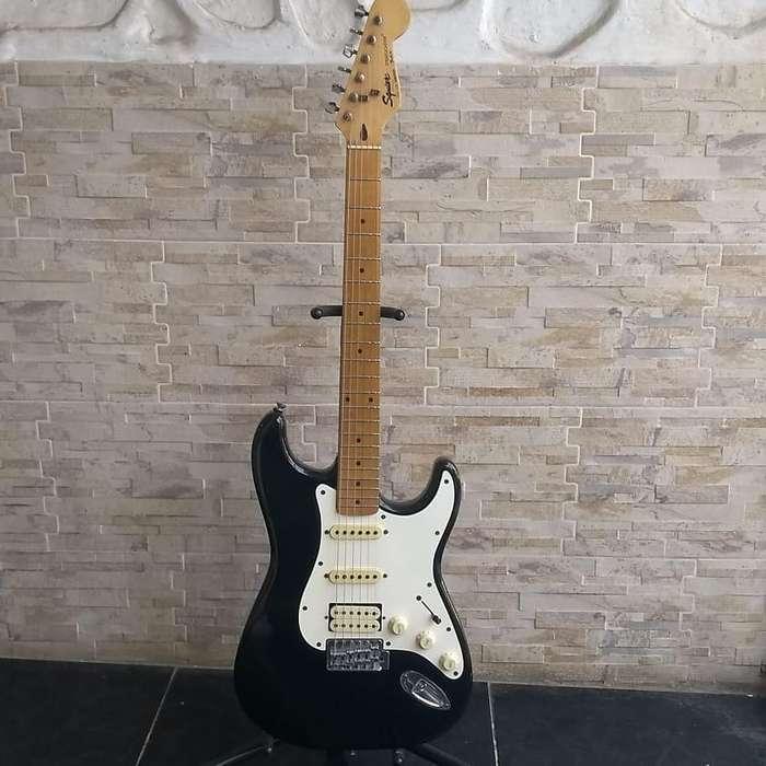 Guitarra eléctrica Squier Stratocaster