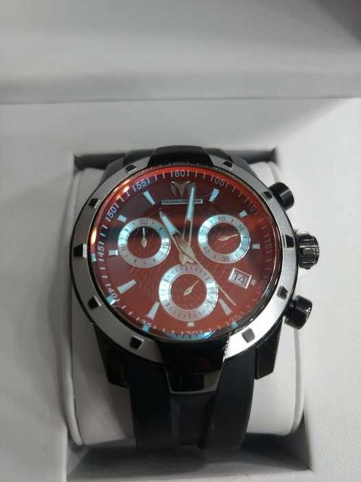 Vendo Reloj Technomarine Uf6 Como Nuevo