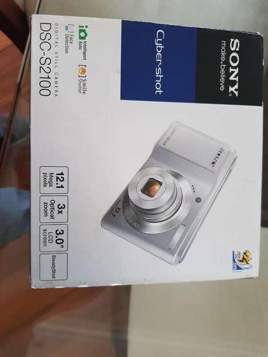 Flamante Cámara Sony 12.1 Megapixeles