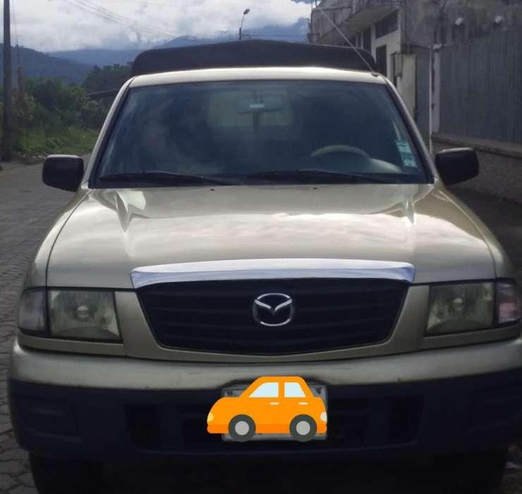 Mazda B 2200 2005 - 200000 km