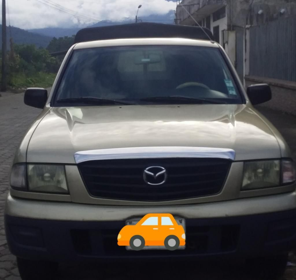 Camioneta Mazda 2200 Año 2005