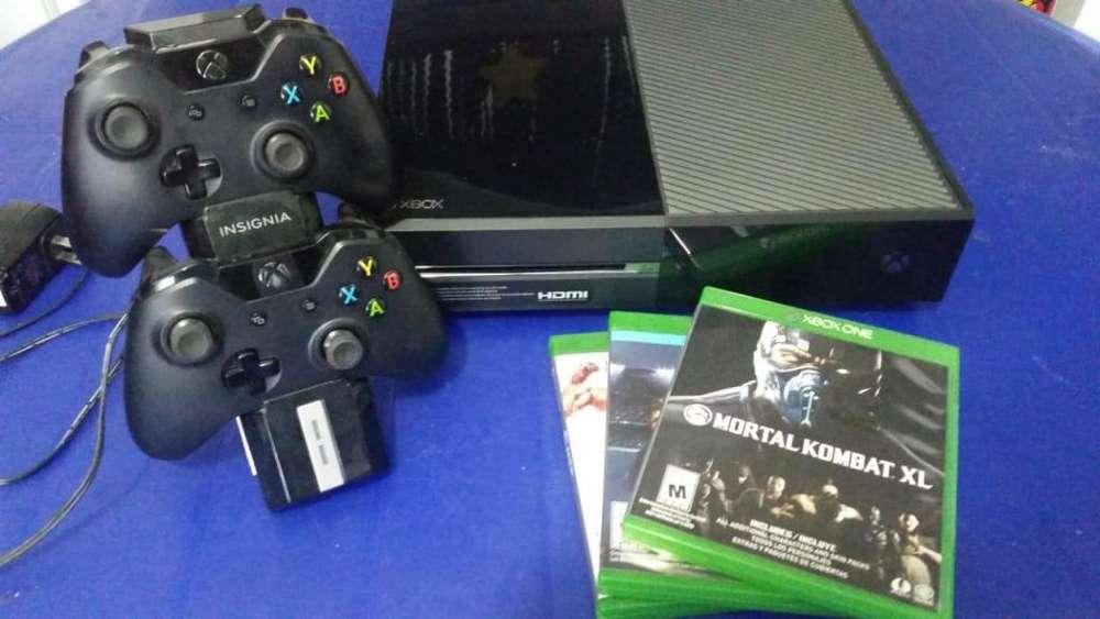 Xbox One Semi Nuevo 2 Palancas Cargador de Palancas 3 Juegos Caja