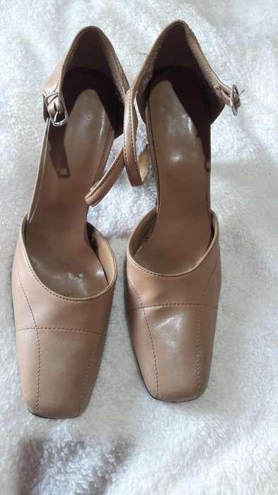 Vendo zapatos y botas N 40 100 cada par