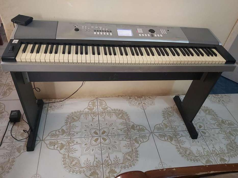 PIANO YAMAHA DGX-520 88KEYS