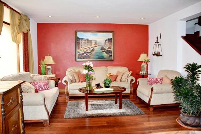 Rento Preciosa Casa Amoblada, en Puertas del Sol