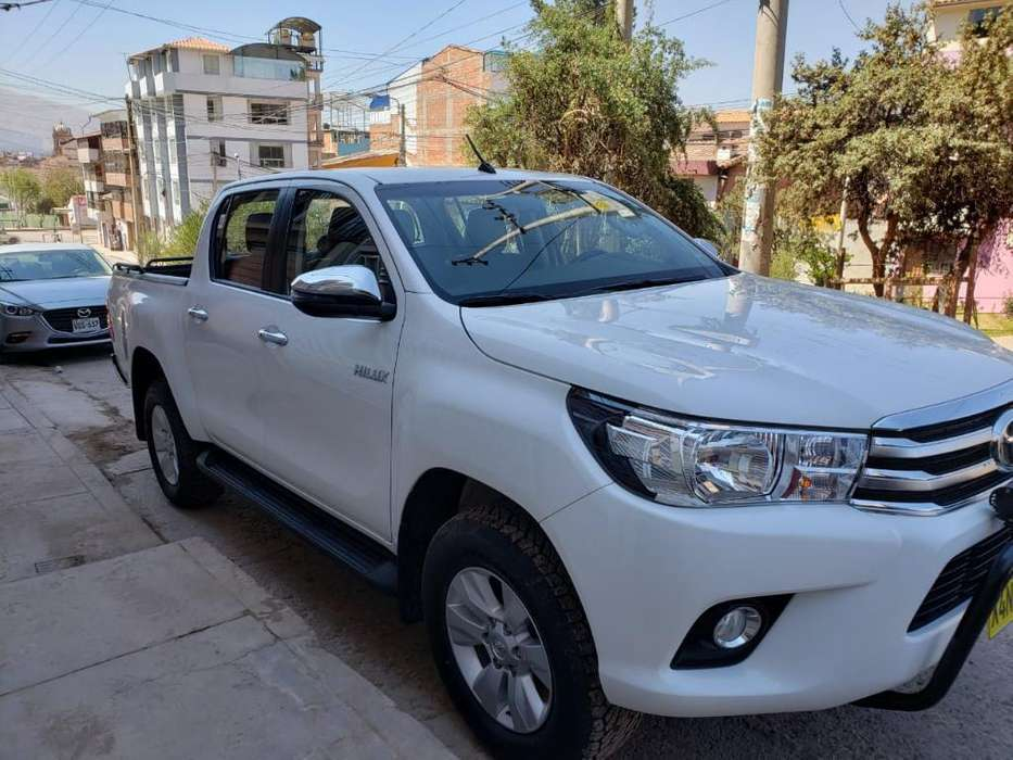 Toyota Hilux 2019 - 5000 km