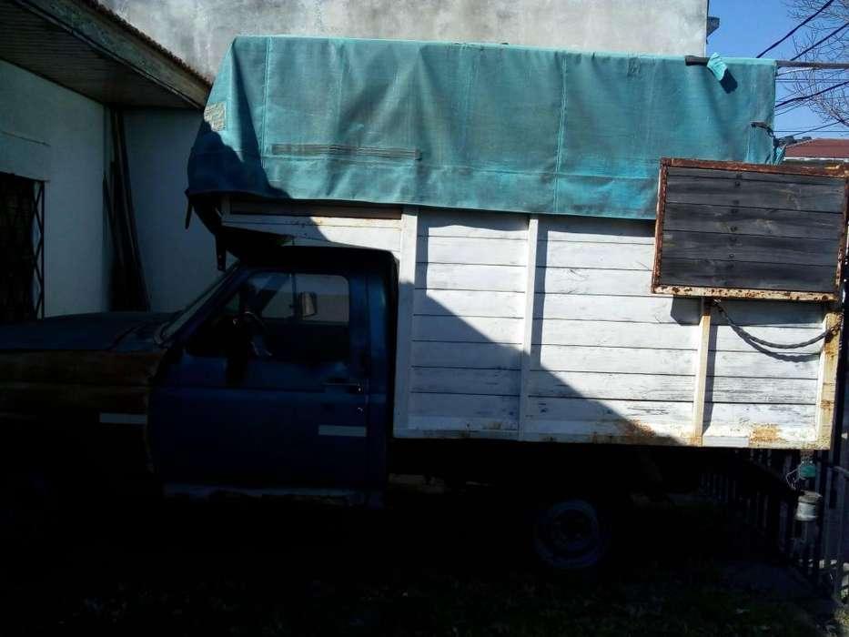 Vendo camioneta F-100 modelo 83 con caja mudancera