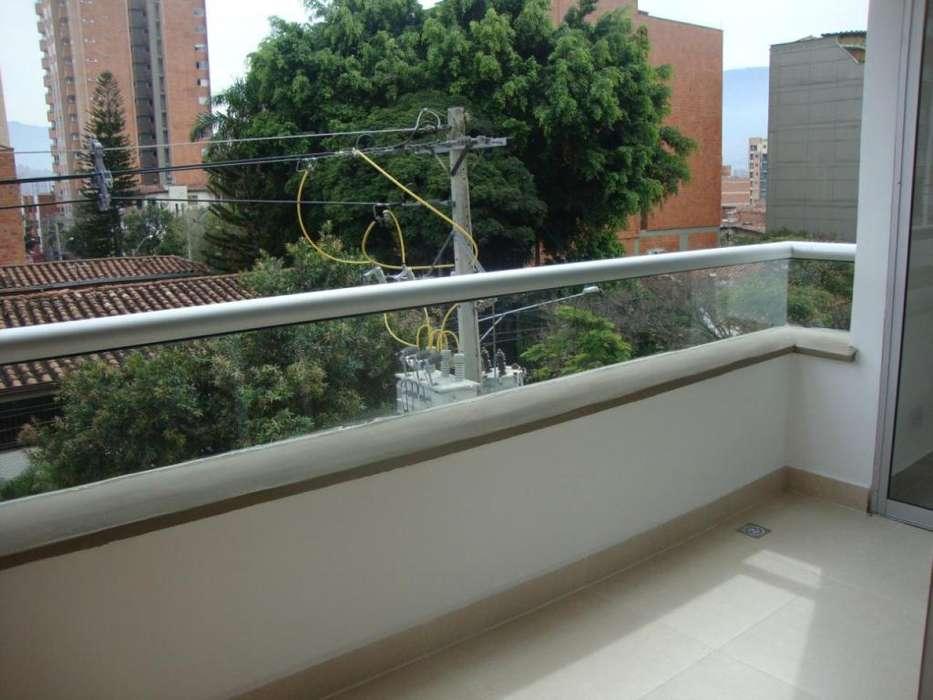 Arriendo apartamento con parqueadero en Laureles - wasi_1195033
