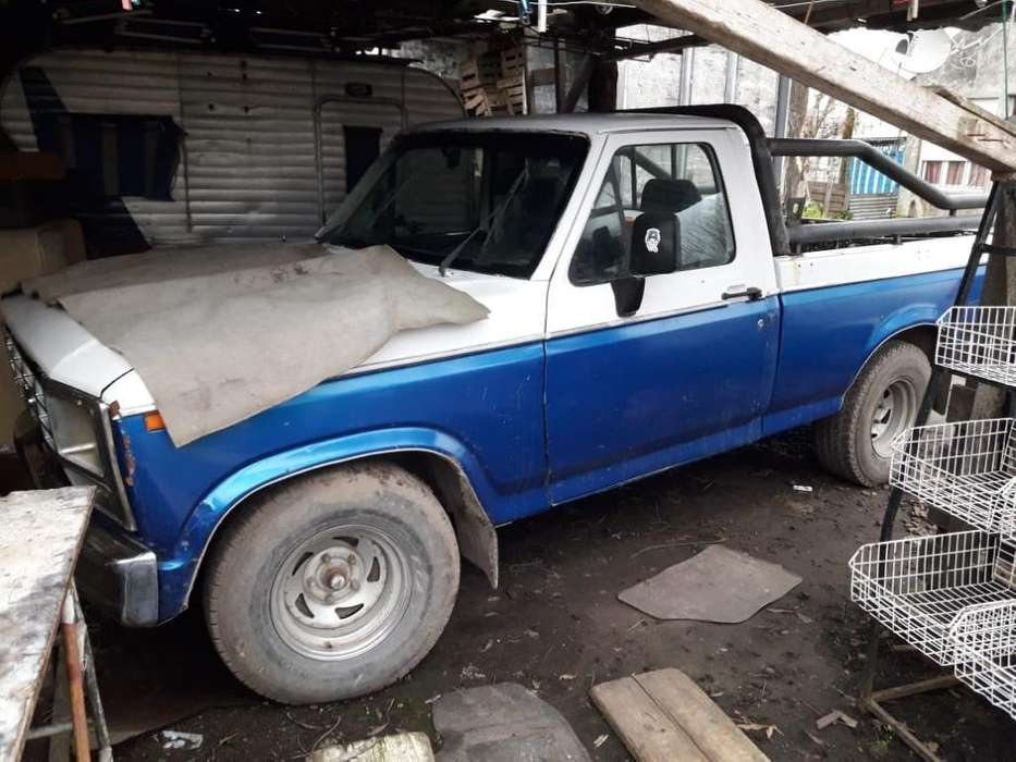 <strong>ford</strong> F-100 1982 - 160000 km