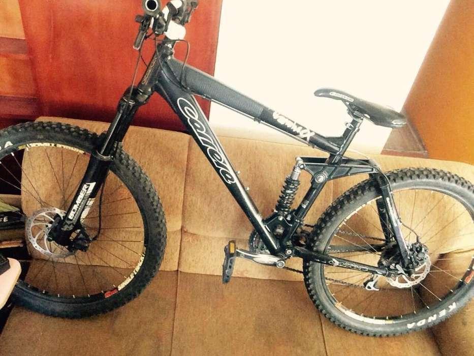 Bicicleta Marca Carrera Banshee X