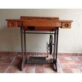 Maquina de coser.