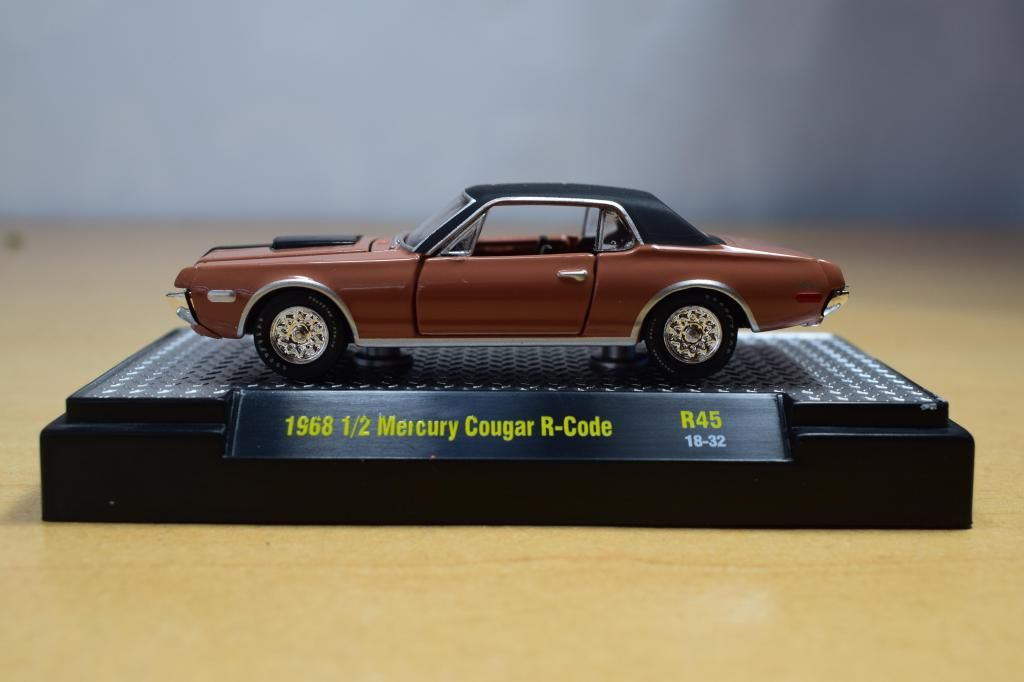 AUTO MERCURY COUGAR R-CODE 1968