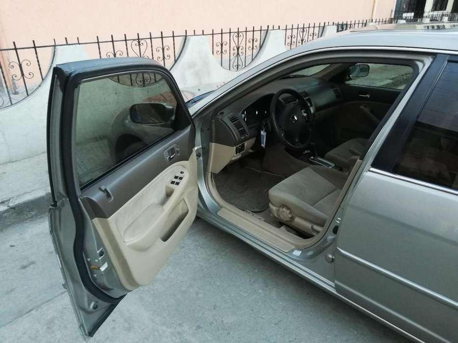 Honda Civic 2003 - 111127 km