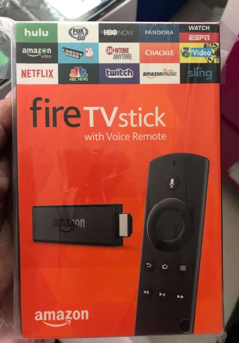 Amazon Fire Stick TV con Control Remoto De Voz, Asistente Alexa minicable usb