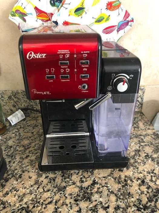 Cafetera Oster Prima Latte 19 Bar
