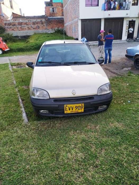 Renault Clio  1997 - 450000 km