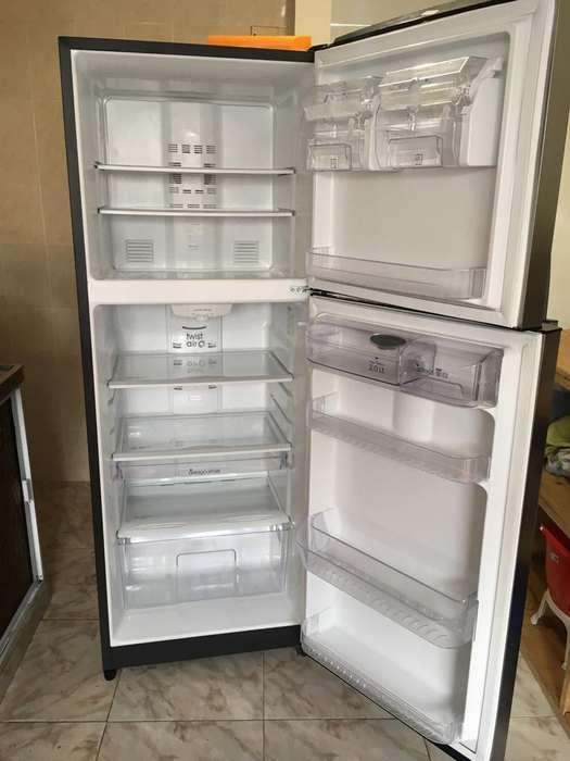 Nevera No Frost, 420 Lts. Mabe (solo 6 meses de uso)