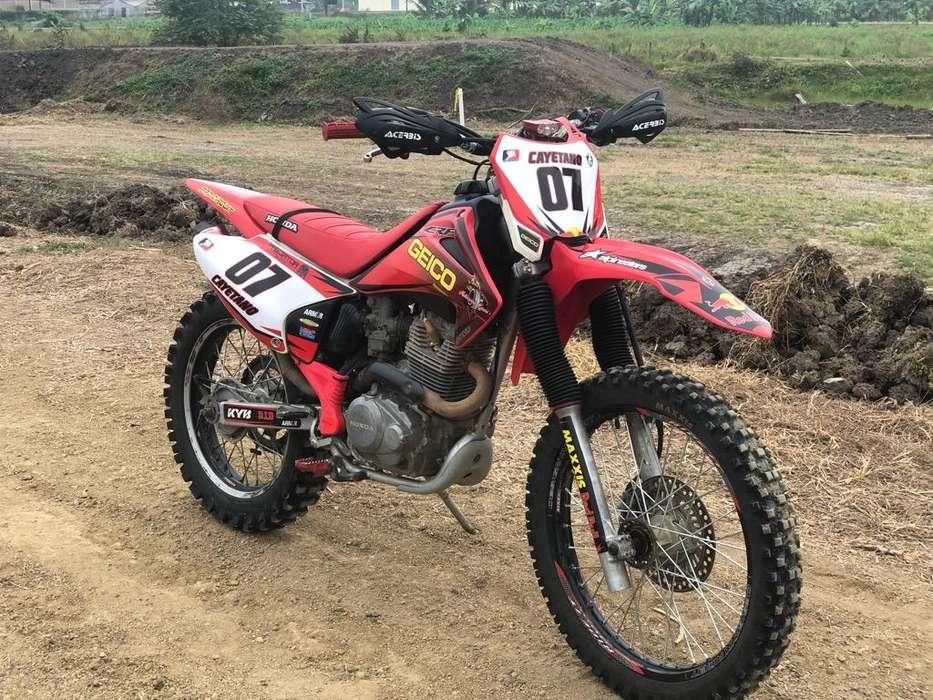 Crf 230 Año 2004 3700