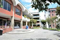 Vendo / Arriendo Local Comercial Conjunto San Sebastián del Norte  de Quito