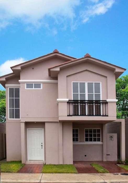 Venta de Casa de Lujo con Terreno amplio en Urbanización Casa Laguna