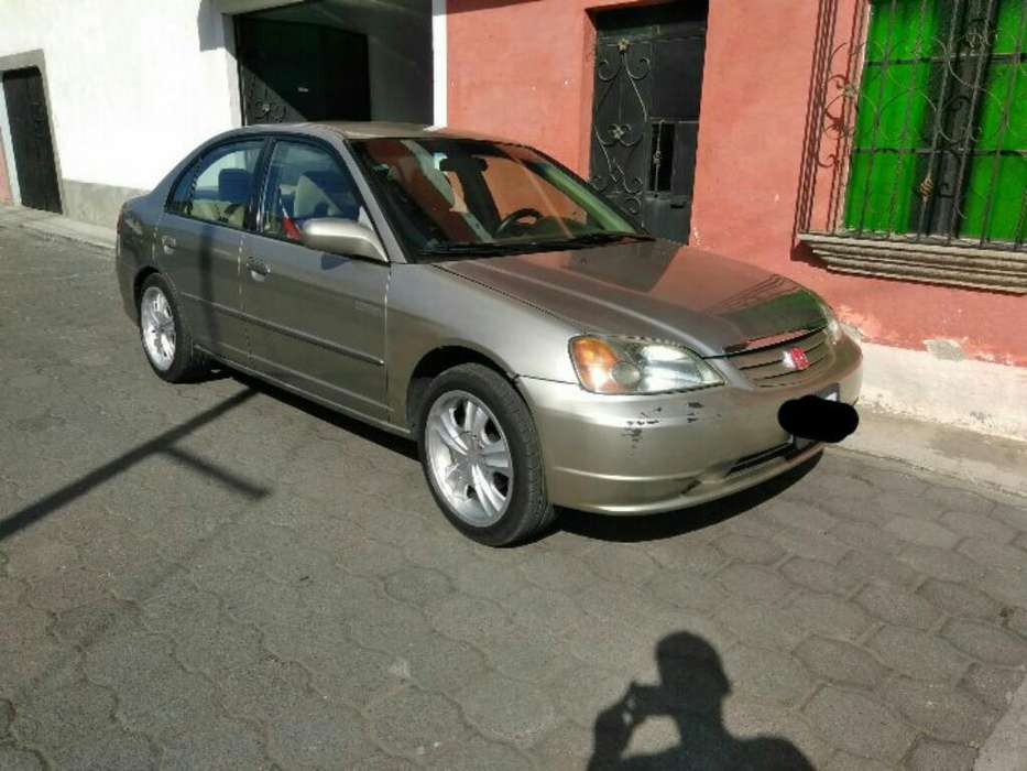 Honda Civic 2004 - 140000 km