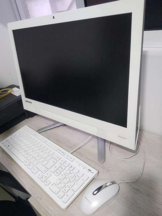 Computador de escritorio Lenovo cel 3143600051