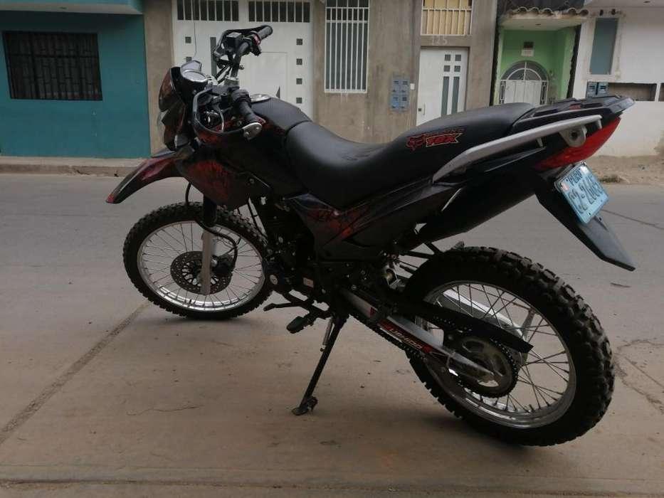 Motocicleta Negra Motor 200 Cm3
