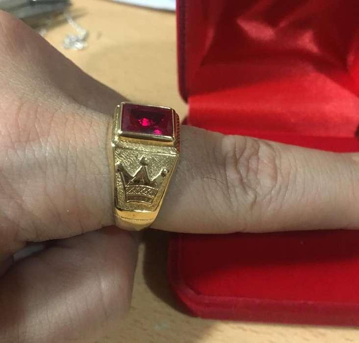 Anillo Sello Piedra Roja Oro 18 K de 5,3