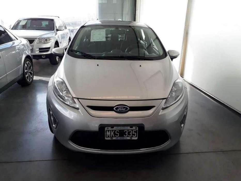 Ford Fiesta  2013 - 93000 km